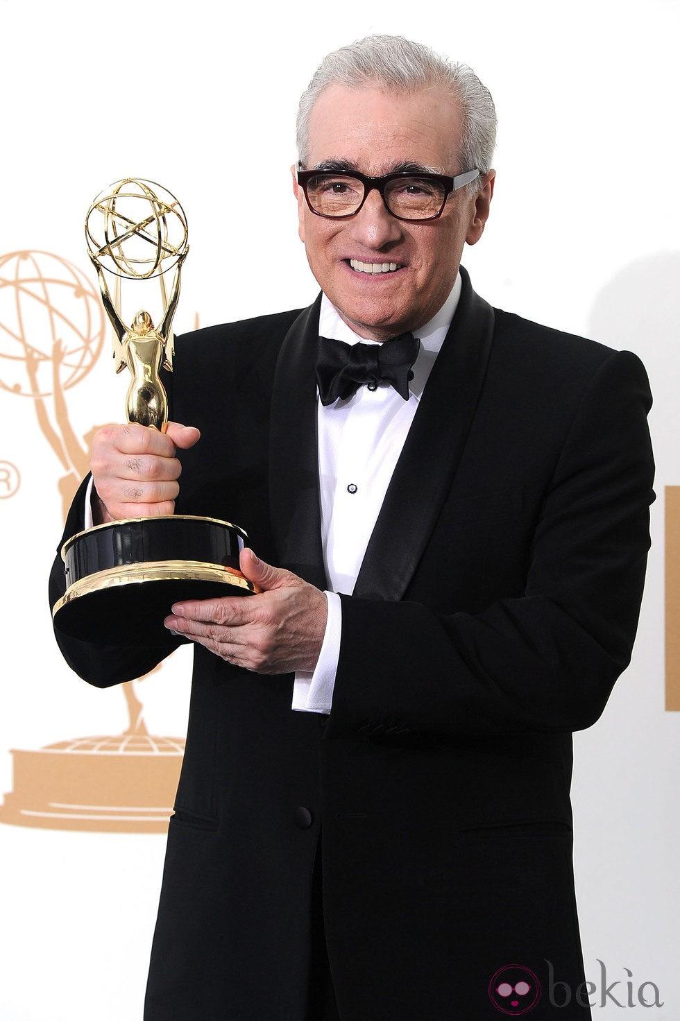 Martin Scorsese con su galardón en los premios Emmy 2011