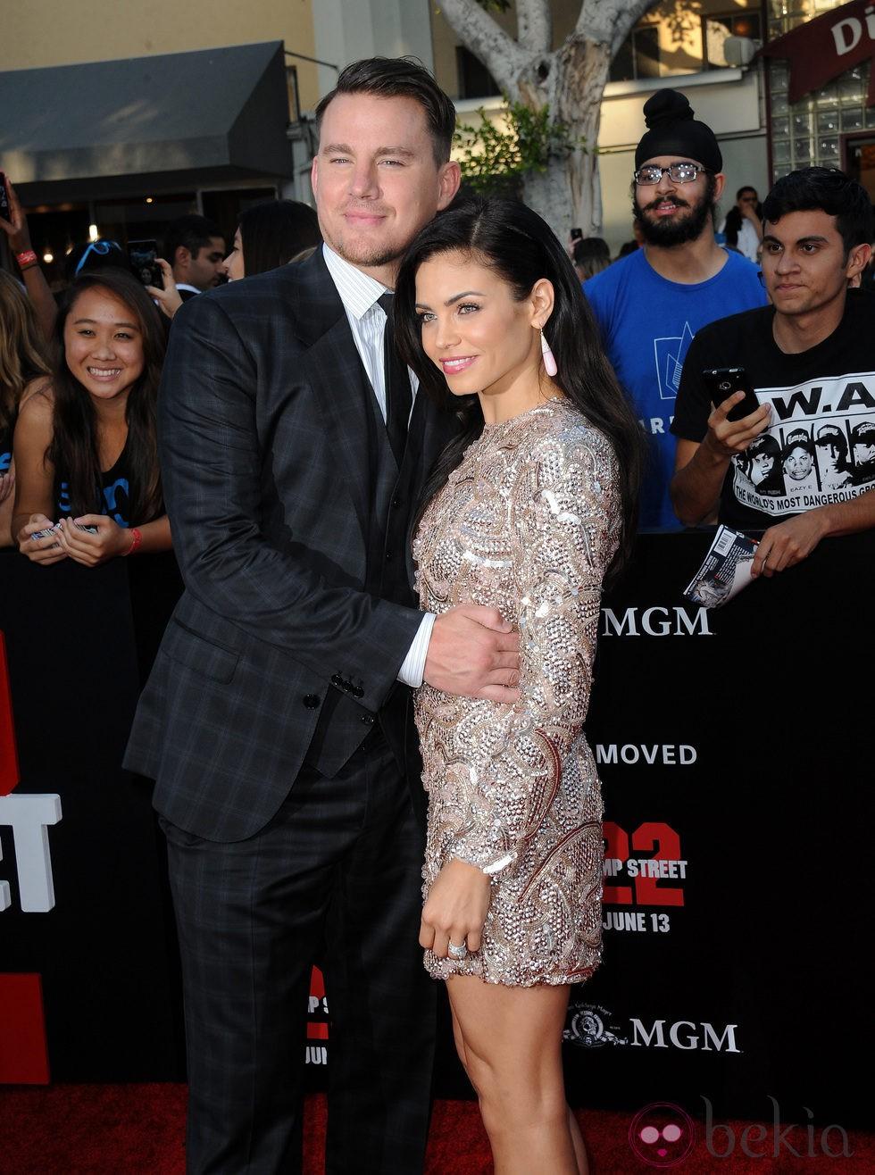 Channing Tatum y Jenna Dewan en el estreno de 'Infiltrados en la universidad' en Los Ángeles