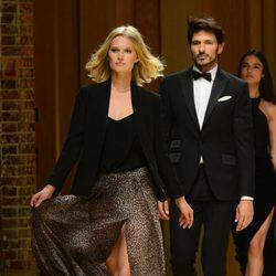 Toni Garrn y Andrés Velencoso en el desfile Mango 080 Barcelona Fashion otoño/invierno 2014