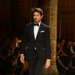Andrés Velencoso en el desfile Mango 080 Barcelona Fashion otoño/invierno 2014