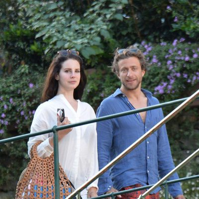 Lana del Rey y Francesco Carrozzini pasean por Portofino