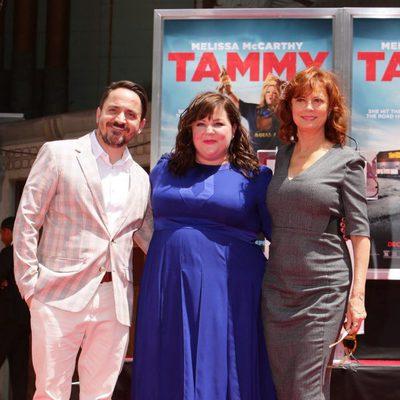 Ben Falcone, Melissa McCarthy y Susan Sarandon en el Teatro Chino