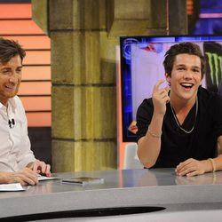 Austin Mahone se divierte con Pablo Motos en 'El hormiguero'