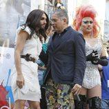 Conchita Wurst y Boris Izaguirre en el pregón del Orgullo Gay 2014 de Madrid