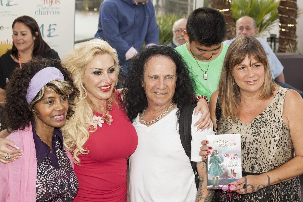 Raquel Mosquera, Fortu, Yong Li, Regina Dos Santos y Marta Valverde en la presentación de la primera novela de Nacho Montes