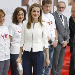 La Reina Letizia, todo sonrisas en el 150 aniversario de Cruz Roja Española