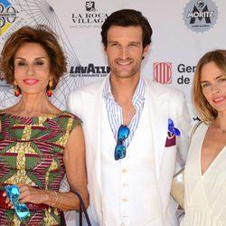 Naty Abascal, Rafa Medina y Verónica Blume en el desfile de Scalpers