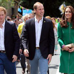 Los Duques de Cambridge y el Príncipe Harry de Inglaterra