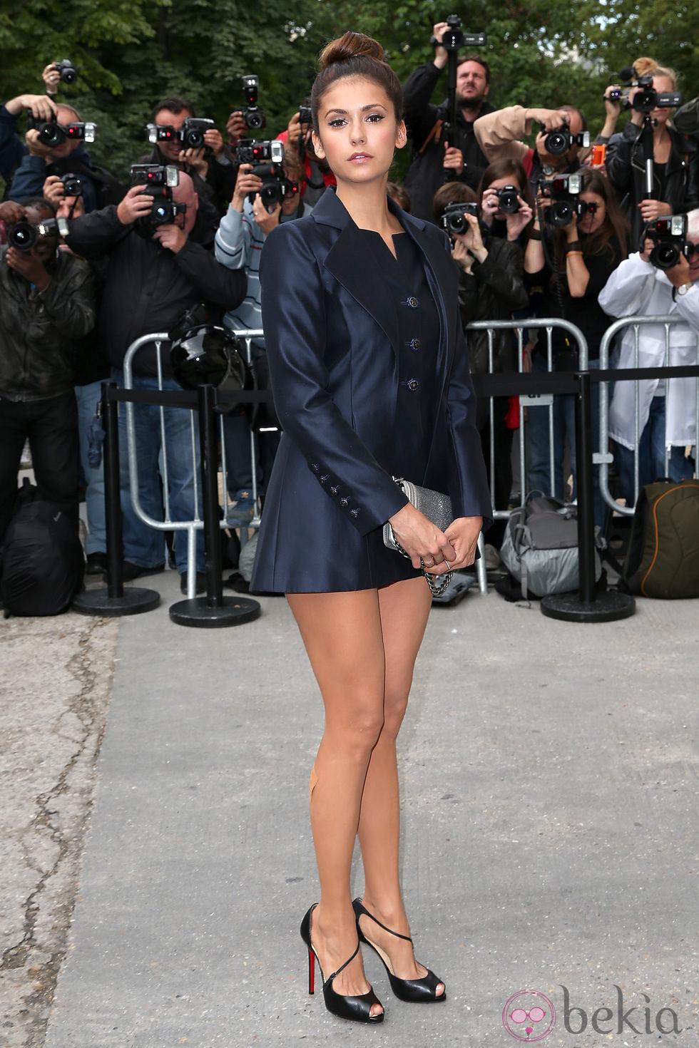 Nina Dobrev en el desfile de Chanel de la Semana de la Alta Costura de París otoño/invierno 2014