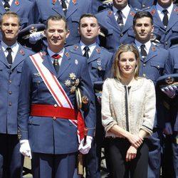 Los Reyes Felipe y Letizia en la entrega de despachos a los nuevos suboficiales del Ejército del Aire