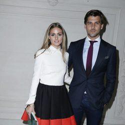 Olivia Palermo y Johannes Huebl en el desfile de Valentino de la Semana de la Alta Costura de París otoño/invierno 2014