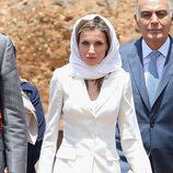 La Reina Letizia con velo a su llegada al Mausoleo del Rey Mohamed V en Rabat