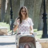 Sara Carbonero pasea a Martín Casillas por Corral de Almaguer