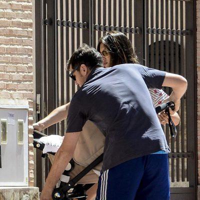 Iker Casillas y Sara Carbonero con el pequeño Martín en Corral de Almaguer