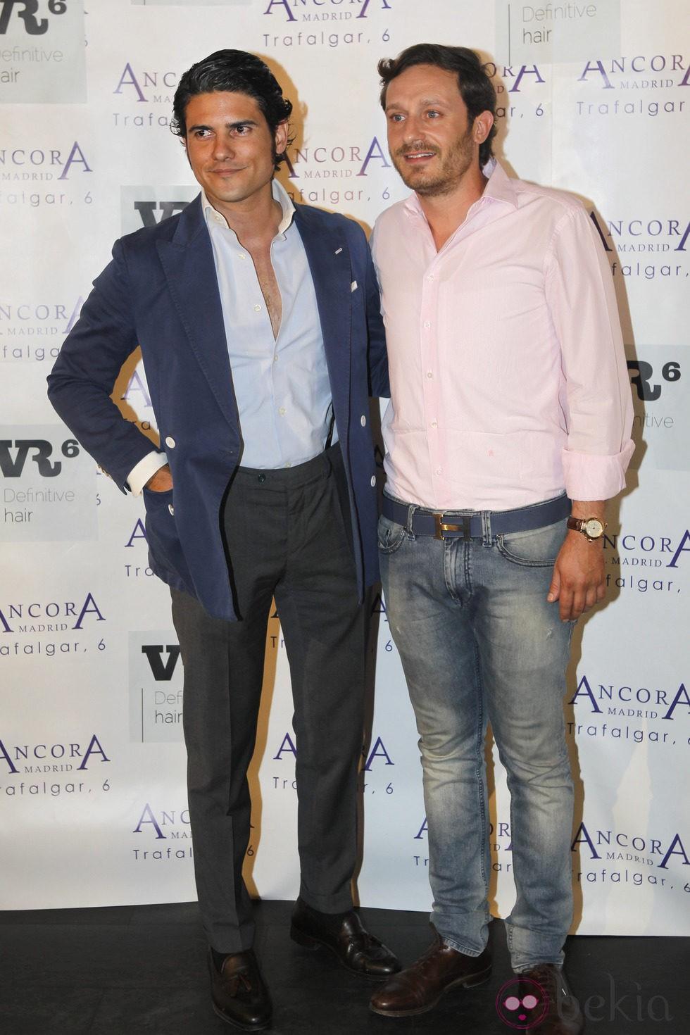 Juan Peña y Julian Porras en la presentación del último disco de las Azúcar Moreno