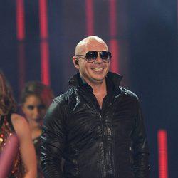 Pitbull actúa en los Premios Juventud 2014