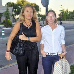 Cristina Tárrega y Fiona Ferrer en la capilla ardiente de la madre de Ana Rosa Quintana