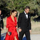 Sergio Ramos y Pilar Rubio llegando a la boda de René Ramos y Vania Millán