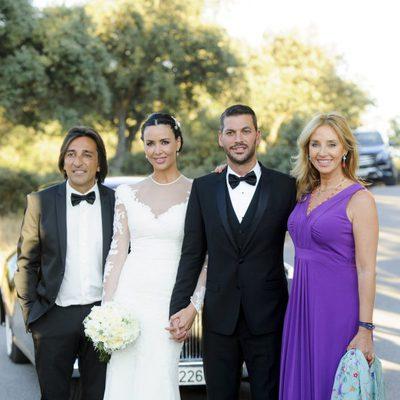 René Ramos y Vania Millán en su boda junto a Antonio Carmona y Mariola Orellana