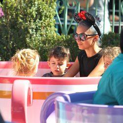 Nicole Richie disfruta junto a sus hijos Harlow Madden y Sparrow Madden