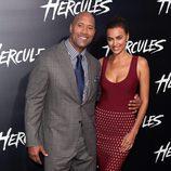 Dwayne Johnson e Irina Shayk en el estreno de 'Hércules' en Los Angeles