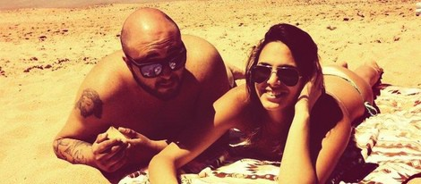 Kiko Rivera y su novia Irene Rosales en la playa
