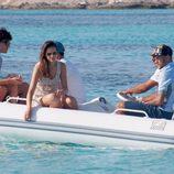Neymar y Bruna Marquezine junto a unos amigos de vacaciones en Ibiza