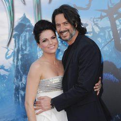 Lana Parrilla y Fred Di Blasio en el estreno de 'Maléfica'