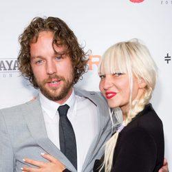 Sia y Erik Anders Lang en la gala Wayuu Taya en Nueva York