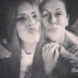 Chabelita posa con Isabel Pantoja en una divertida foto