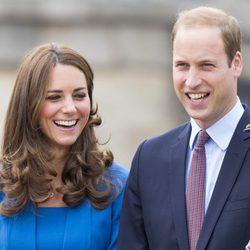 El Príncipe Guillermo y la Duquesa de Cambridge en la Torre de Londres