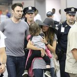 Megan Fox y Brian Austin Green con su hijo Noah en Nueva York