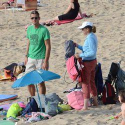 Los Duques de Palma en la playa de Bidart
