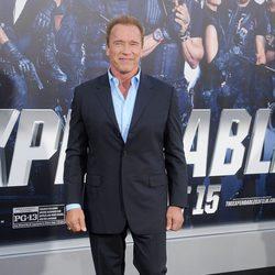 Arnold Schwarzenegger en el estreno de 'Los mercenarios 3' en Los Angeles