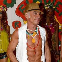 Joaquín Torres presume de torso desnudo en la fiesta Flower Power 2014 en Ibiza