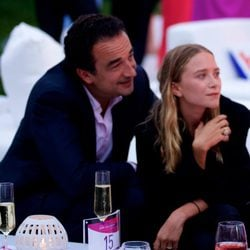 Mary-Kate Olsen y Olivier Sarkozy en la Paddle & Party for Pink celebrada en los Hamptons