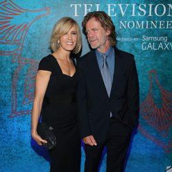 Felicity Huffman y William H. Macy en una fiesta previa a la entrega de los Premios Emmy 2014
