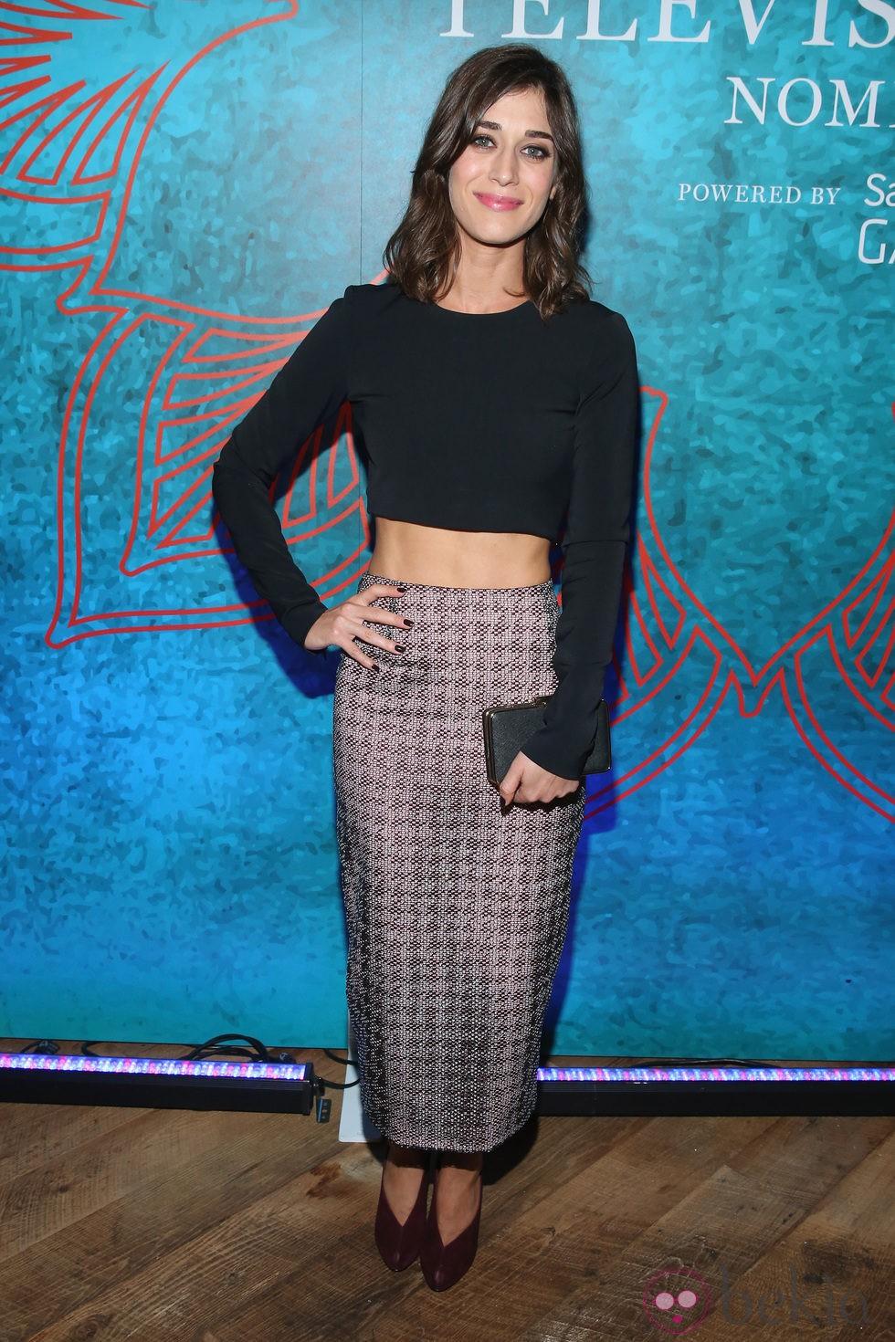 Lizzy Caplan en una fiesta previa a la entrega de los Premios Emmy 2014