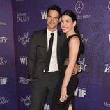 Julianna Margulies y Keith Lieberthal en una fiesta previa a la entrega de los Premios Emmy 2014