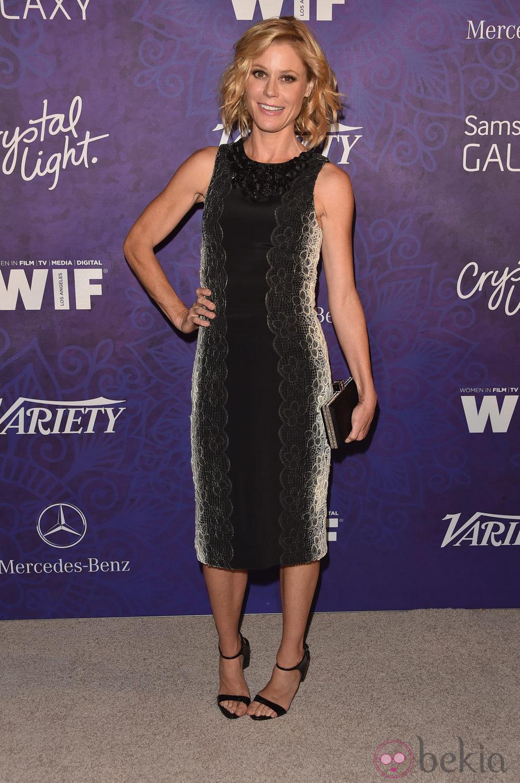 Julie Bowen en una fiesta previa a la entrega de los Premios Emmy 2014