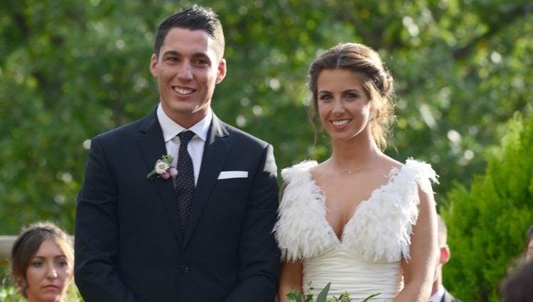Aleix Espargaró y Laura Montero el día de su boda