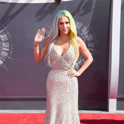 Kesha en la alfombra roja de los MTV Video Music Awards 2014