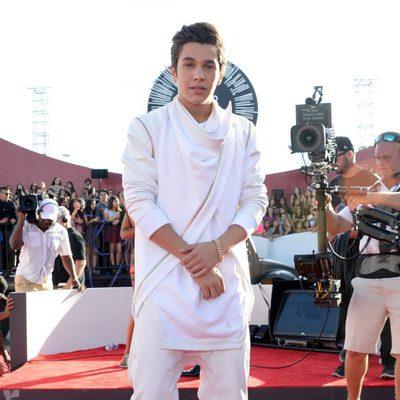 Austin Mahone en la alfombra roja de los MTV Video Music Awards 2014