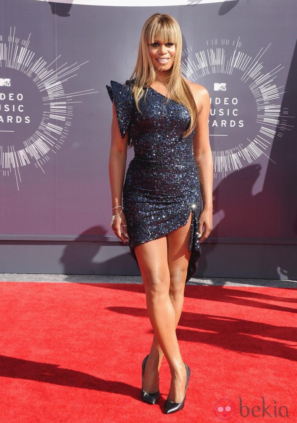 Laverne Cox en la alfombra roja de los MTV Video Music Awards 2014