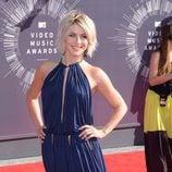 Julianne Hough en la alfombra roja de los MTV Video Music Awards 2014