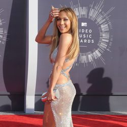Jennifer Lopez en la alfombra roja de los MTV Video Music Awards 2014