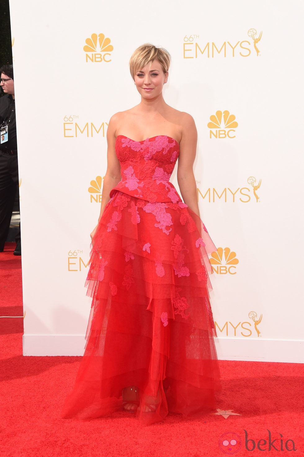 Kaley Cuoco-Sweeting en los Emmy 2014