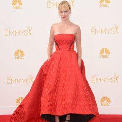 January Jones en la red carpet de los Emmy 2014