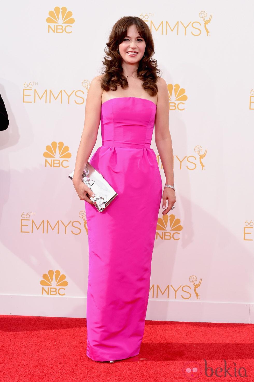 Zooey Deschanel en la red carpet de los Emmys 2014