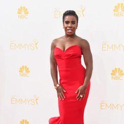 Uzo Aduba en la red carpet de los Emmys 2014